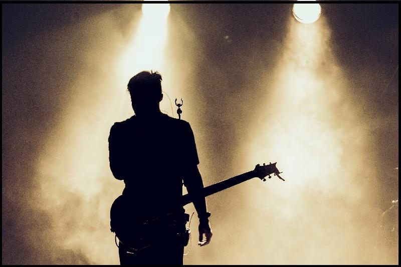 Singer-इंस्ट्रूमेंट प्ले करना सीखे